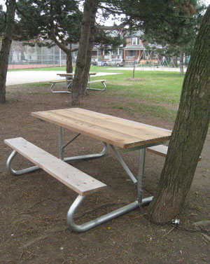 new-picnic-tables