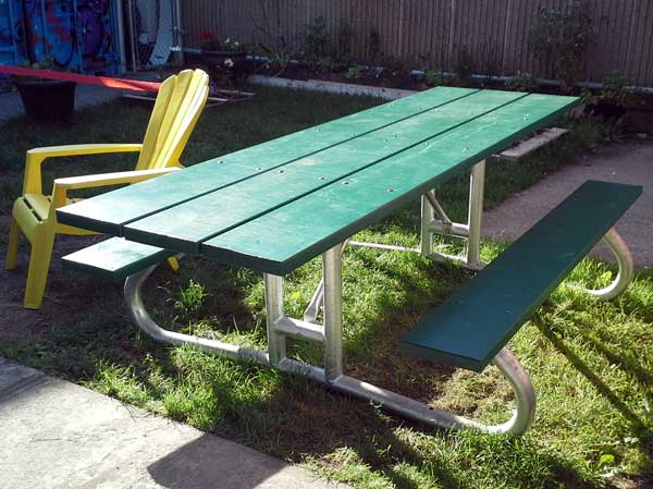 accessible-picnic-table